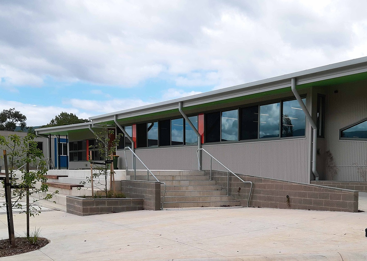 Laboratory Bowls & Sanistep Urinals for Upper Yarra Secondary College